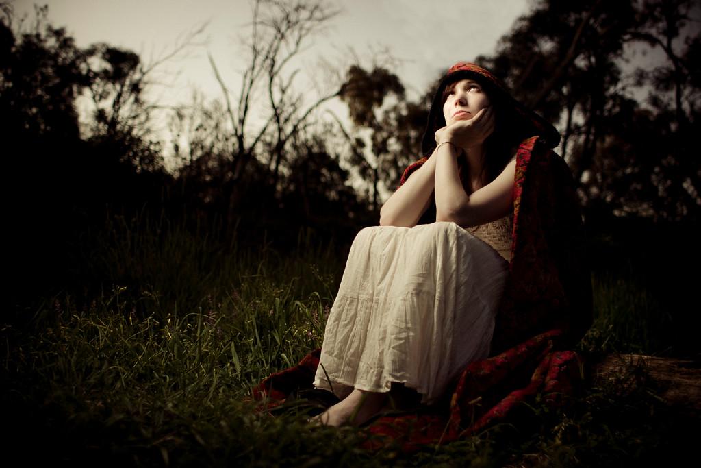 Sarah-lilred-AlexGardner-101010-07