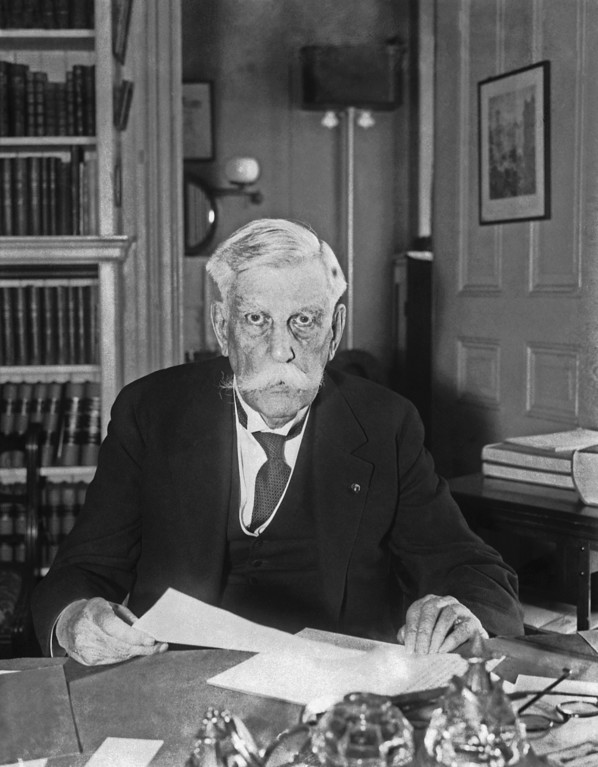 . Oliver Wendell Holmes (Justice) Bench Patriarch Quits  Jan. 12, 1932, after his thirtieth year on the Supreme Court Bench. He will celebrate his 91st birthday  March 8, 1932( AP Photo)