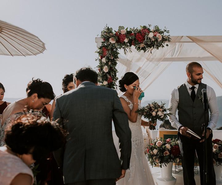 Tu-Nguyen-Destination-Wedding-Photographer-Santorini-Rocabella-Hotel-Euna-Ehsan-410.jpg
