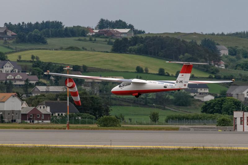 Die Einlage dieses Segelflugzeugs war sehenswert. Und vor allem lautlos!