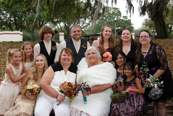 DONNA AND DWANA WITH WEDDING PARTY