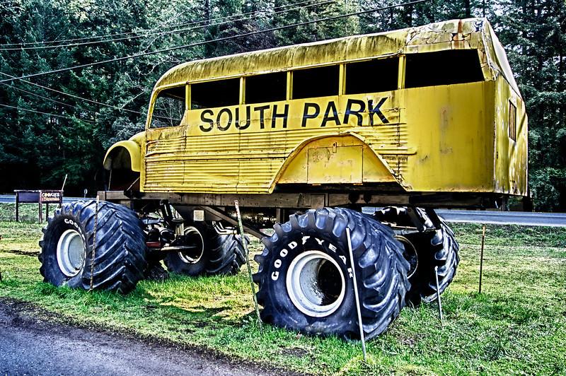 South Park Bus - Monster Truck ref: c60f2996-389c-4b5a-ae7d-d615d60cb958