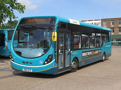 BUSES IN MILTON KEYNES,LUTON,HEMEL HEMPSTED  STEVENAGE AUG 2019