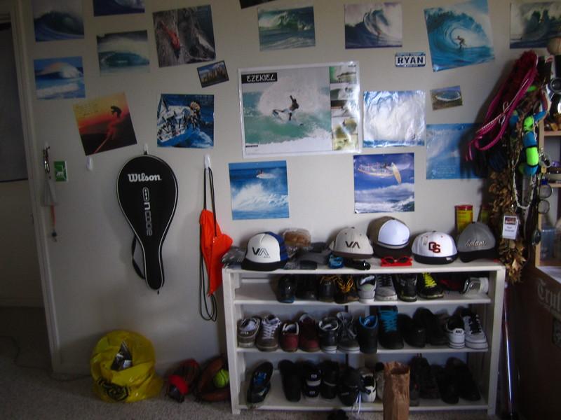 Hawaii - Painting My Room-4.JPG