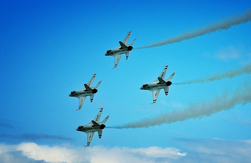 Thunderbirds Milwaukee Air Show .jpg