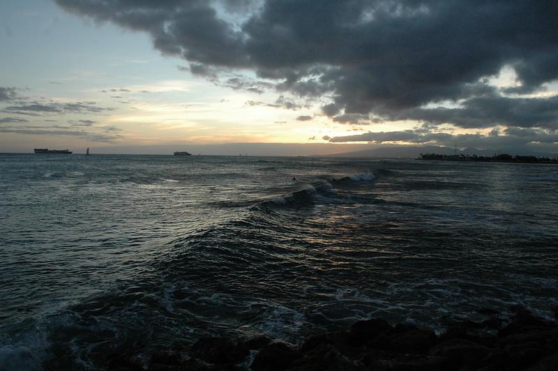 Hawaii - Ala Moana Beach Sunset-81.JPG