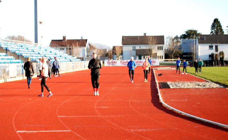 Juniorgjengen til Stavanger Roklub varmer opp til testen