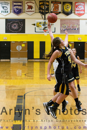 Hutch Girls Basketball vs Mankato East