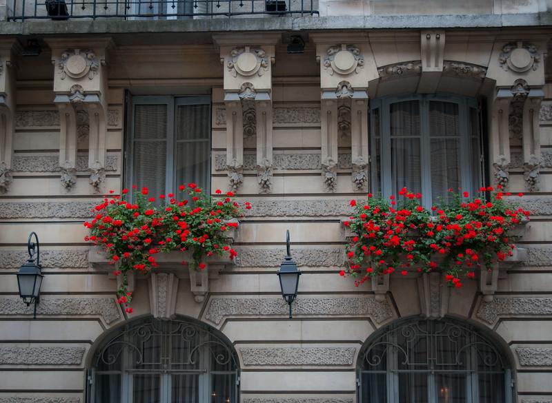 080607Pre-2018 Paris027.jpg