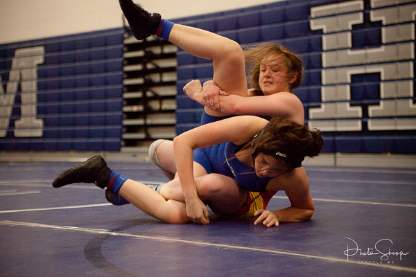 War of the Roses - Girls Wrestling WA State