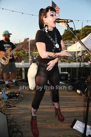 "Naomi ""Nai Palm"" Saalfield from Hiatus Kaiyote performs at the Surf Lodge in Montauk on 8-14-16.  all photos by Rob Rich/SocietyAllure.com © 2016 robwayne1@aol.com 516-676-3939"