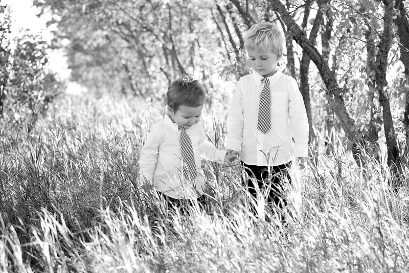 20bw Jacob+Wyatt | Nicole Marie Photography.jpg