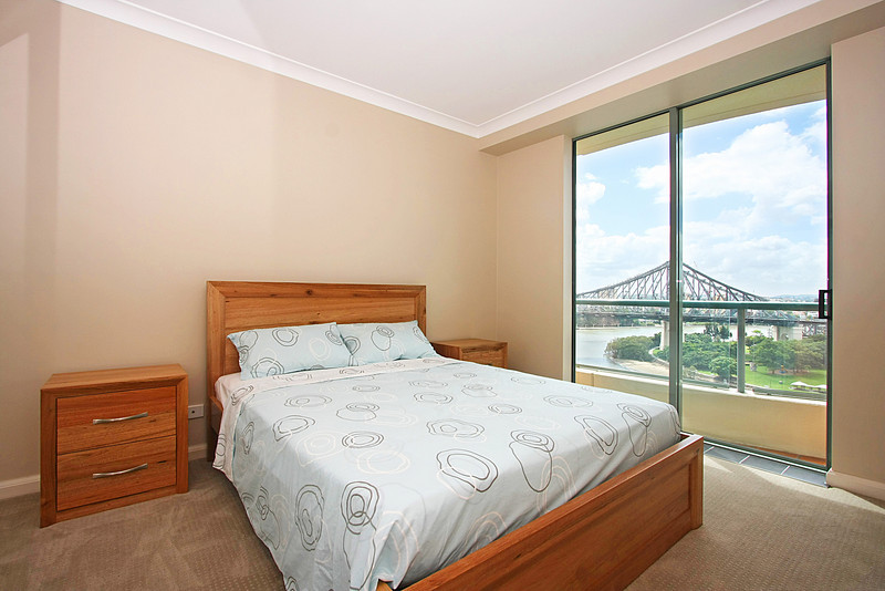 Admiralty Towers II, Brisbane. Open House Realty. Photography by Trent Williams