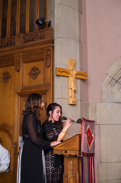 Montreal_Wedding_Photographer_McGill_Chapel_Entrepot_Dominion_Montreal_Quebec_Lindsay_Muciy_Photography_Luan&Venessa_FINAL_EX (32).JPG
