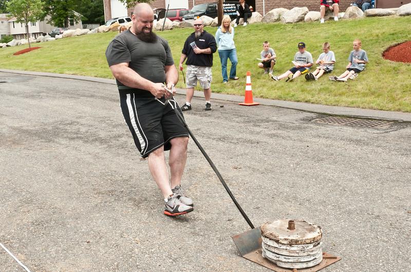 Fitness Revolution Strongman Challenge 2011_ERF4118.jpg