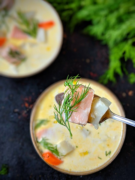 Lohikeitto Finnish Salmon Soup dark 6.jpg