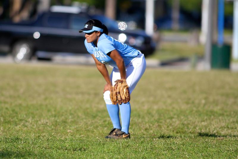 Softball Girls RE 3516.jpg