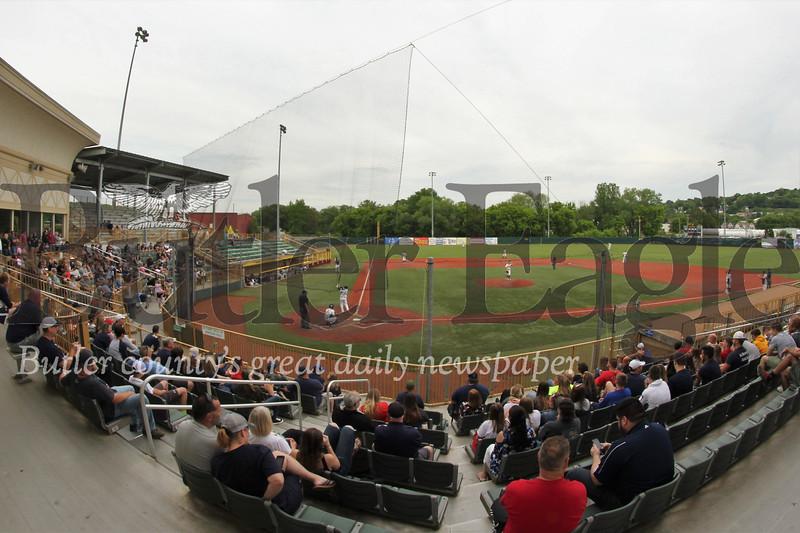 0523_Loc_Ballpark.jpg