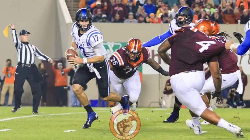 Ricky Walker (25) chases down Duke QB Daniel Jones while drawing a holding penalty. (Mark Umansky/TheKeyPlay.com)
