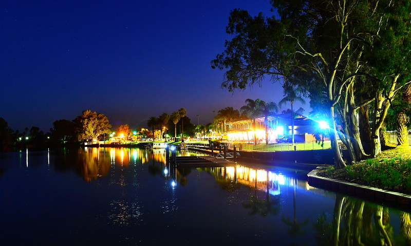 Renmark Riverfront and fountain