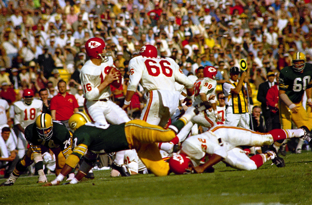 . Kansas City Chiefs\' quarterback Len Dawson (16) gets ready to release the ball during the first Super Bowl, Jan. 15, 1967, against the Green Bay Packers at the Los Angeles Coliseum in Los Angeles, California.  The Green Bay Packers won the game.  (AP Photo)