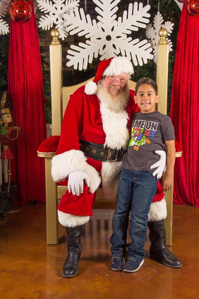Santa 12-16-17-236.jpg