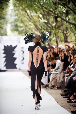 ON AURA TOUT VU Miroir, miroir dis moi qui est la plus belle Couture FW 2011-2012