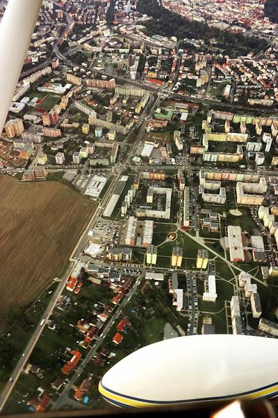 Krásný pohled na Nové Sady, Povel, Smetanovy sady a část centra. Jsme nějakých 800 metrů vysoko.