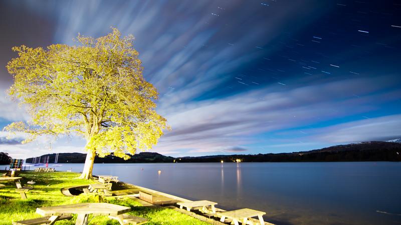 Star trails over Windermere lake