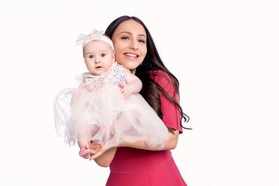 Симона на 4 месеца