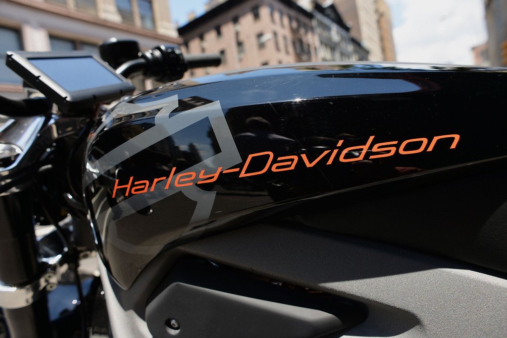 . The logo on a Harley-Davidson Project LiveWire, the company\'s first electric motorcycle, during a preview June 23, 2014 outside a Harley-Davidson dealer in New York. AFP PHOTO/Stan  HONDA/AFP/Getty Images
