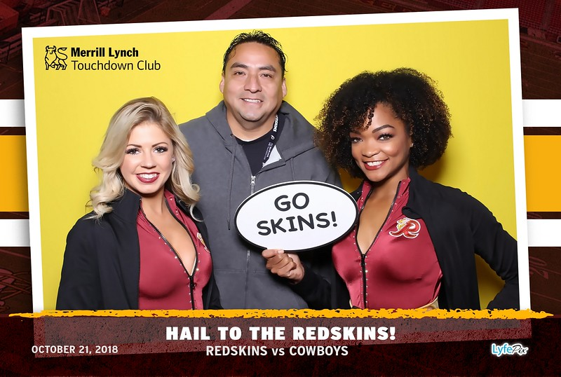 washington-redskins-dallas-cowboys-merrill-lynch-touchdown-club-photobooth-142207.jpg