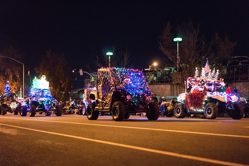 Light_Parade_2015-08018.jpg