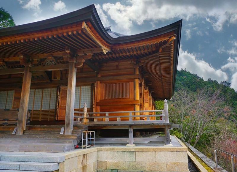 Temple-Mount-Hiei.JPG