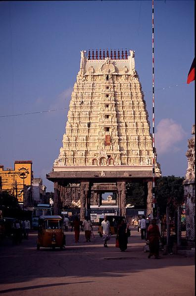 goparum (temple gateway)