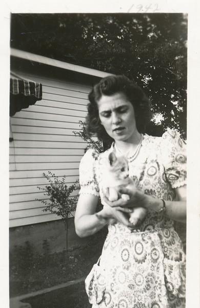 Eileen Clark & Mischief the cat (8-5-1941).jpg