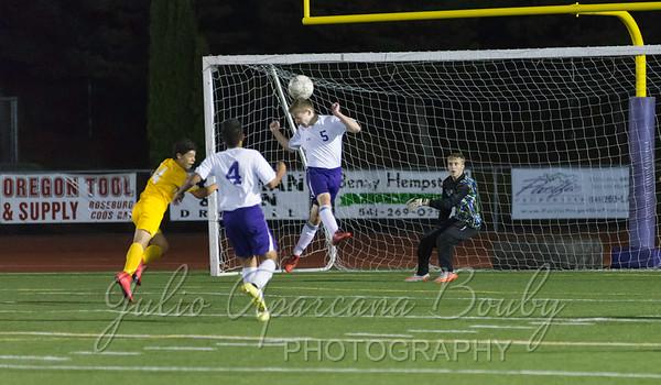 151013 MHS Boys Soccer vs NBHS