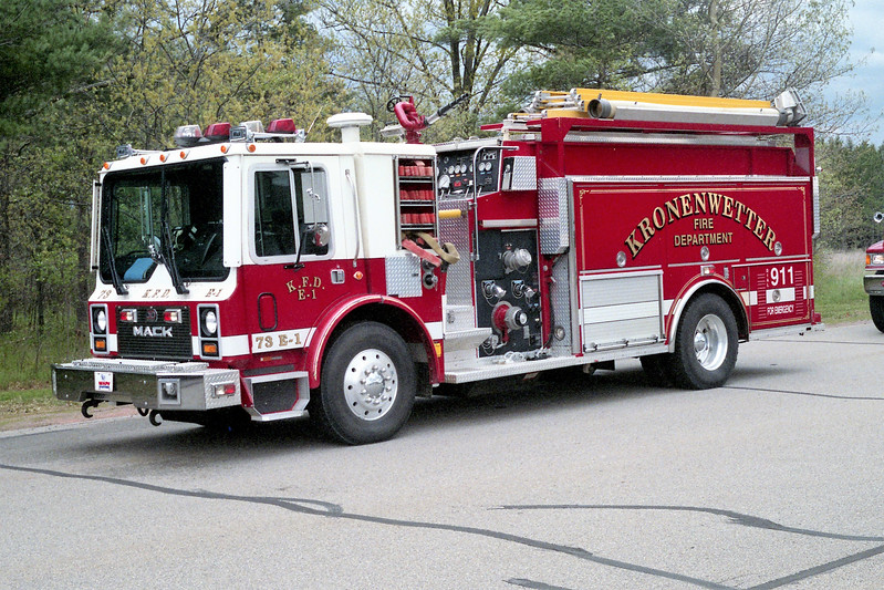 KRONENWETTER   ENGINE 1  MACK MC -.jpg