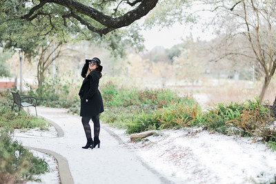 Cassandra Snow shoot