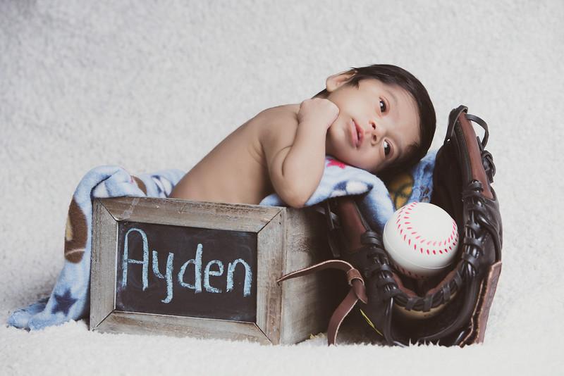 baby-ayden-new-born-portrait_0034.jpg