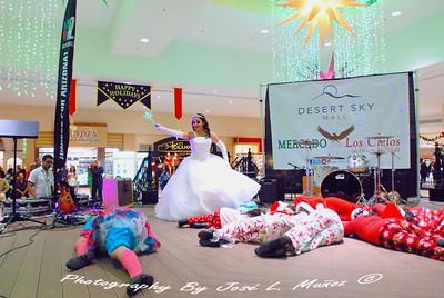 2012-11-23 Black Friday at Desert Sky Mall