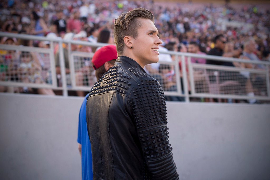 . Teen idol Ian Thomas waits to perform during the 88th Annual Fourth of July Celebration, Americafest at the Rose Bowl in Pasadena Friday night, July 4, 2014. (Photo by Sarah Reingewirtz/Pasadena Star-News)