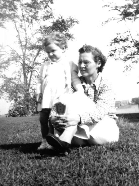 Florence (Herdrich) Dietz and daughter Diane
