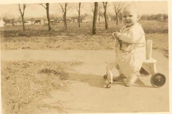 chelsea_dad_1926-XL.jpg