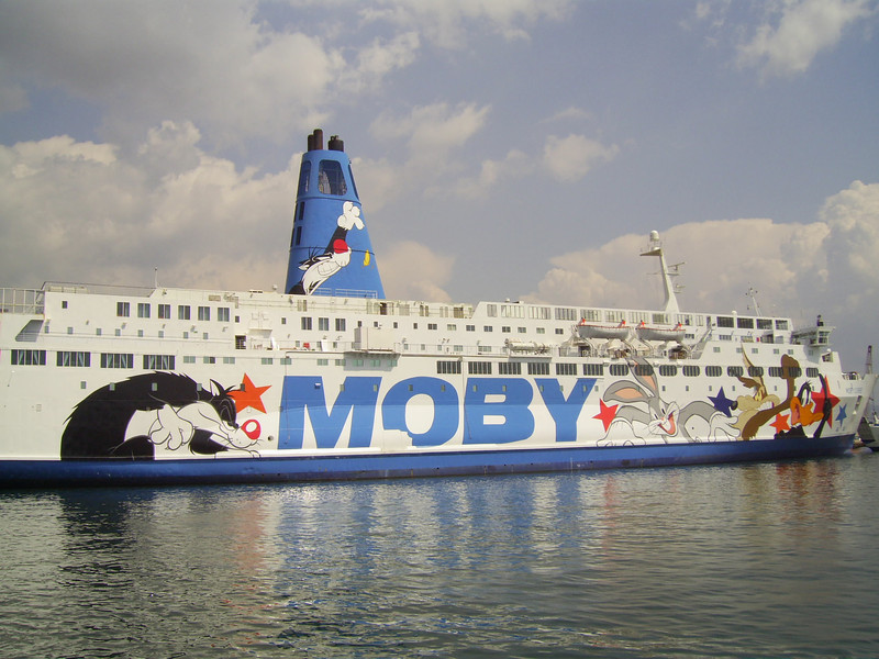 2010 - F/B MOBY CORSE docked in Napoli : last works before the new season.