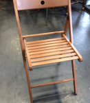 wooden-folding-chair.png