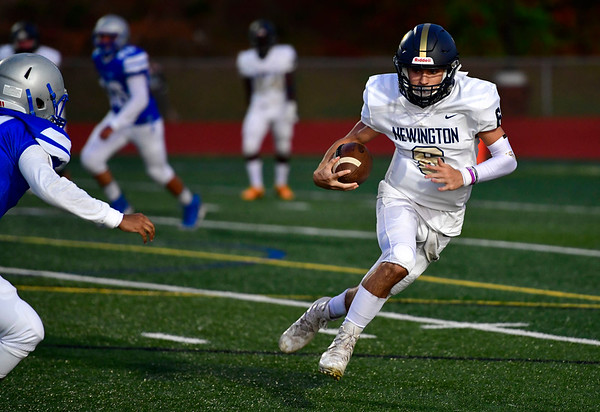 9/20/2019 Mike Orazzi | StaffrNewington's Nicholas Pestrichello (6) during Friday night football in Bristol. rrrrrrr r