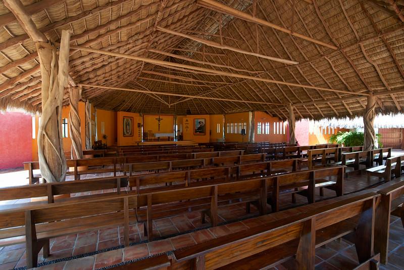 LasAlamandas-Iglesia3-EvaSica.jpg