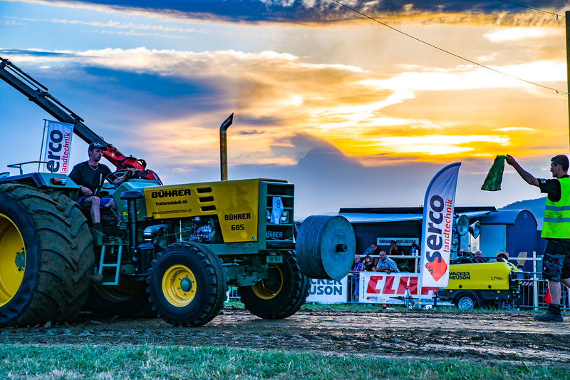 Tractor Pulling 2015-01697.jpg