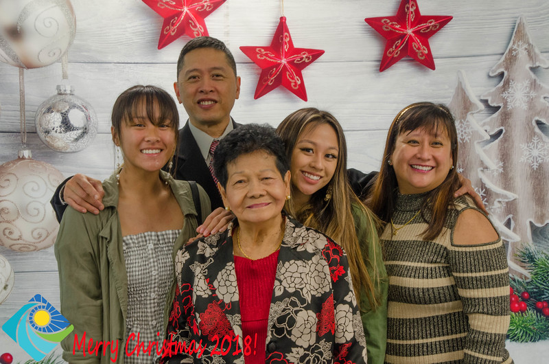 Christmas Photobooth 2018 Sunday-079.jpg